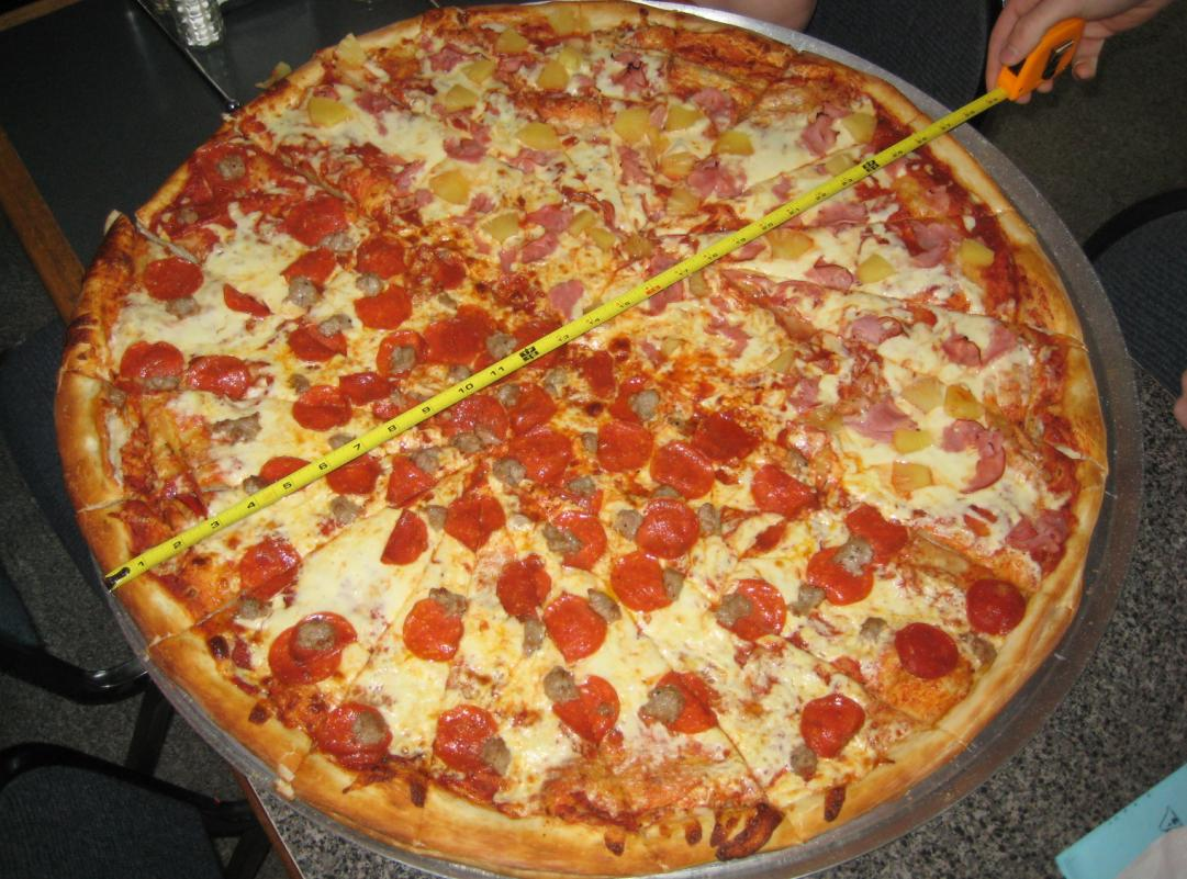 10 american eating challenges that will fill you up for Pizza pizzeria